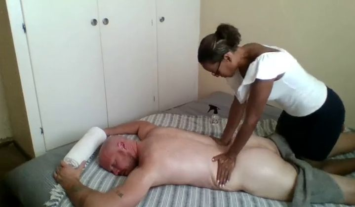 Ebony Masseuse Asked For Happy End Real Hidden Massage
